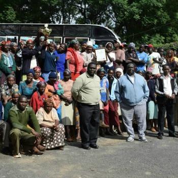 Nyeri Hill Kenya Trekker coffee supports Nyeri coffee farming families