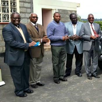 Nyeri Hill Kenya coffee produced by Nyeri Estate farm leaders