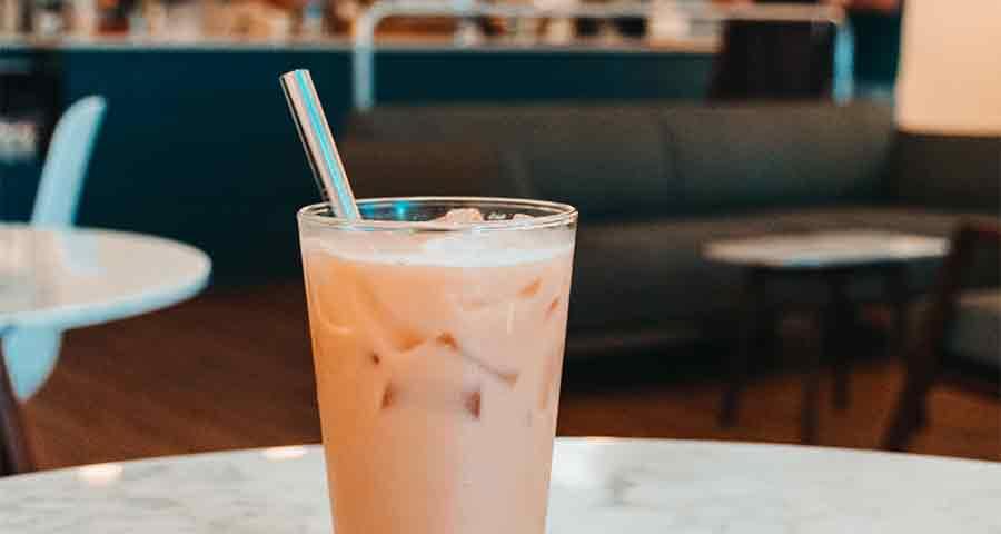 Lastrå Metal Reusable Straw in Cold Brew Coffee